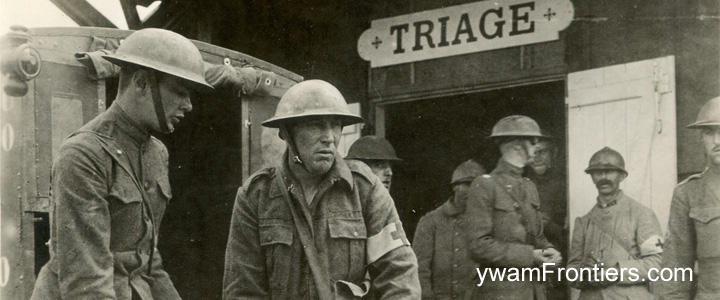 Photo of a triage station in World War 1